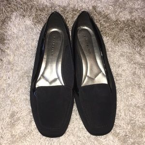 Black Bandolino Flats